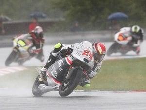 いつかはホンダで優勝争いを――。Moto3鈴木竜生が目指すトップへの道。