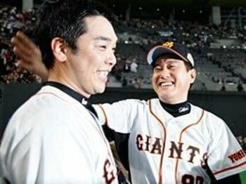 蘇った「7番=お掃除屋」論。阿部慎之助が若手を成長させる!<Number Web> photograph by Tamon Matsuzono
