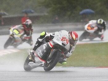 いつかはホンダで優勝争いを――。Moto3鈴木竜生が目指すトップへの道。<Number Web> photograph by Satoshi Endo