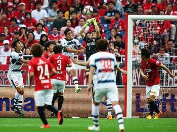 浦和が示したセットプレー止め方講義。FC東京の「武器」を封じた方法とは?<Number Web> photograph by J.LEAGUE PHOTOS
