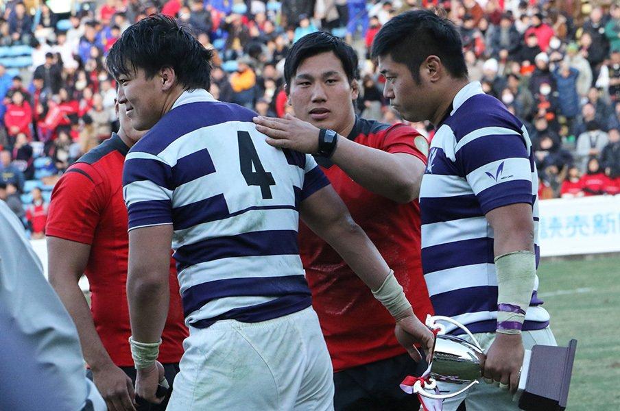 決勝で1点差、極限の緊張感の中で。帝京と明治が見せたラグビーの真髄。<Number Web> photograph by Nobuhiko Otomo