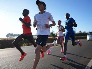 「東京五輪の聞きたくない情報を排除したかった」マラソン代表・大迫傑はケニアで合宿中…紙の練習日誌をつける日々