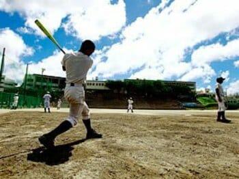<甲子園特集> 沖縄野球の目指す場所。~ふたつの名門校を訪ねて~<Number Web> photograph by Tamon Matsuzono