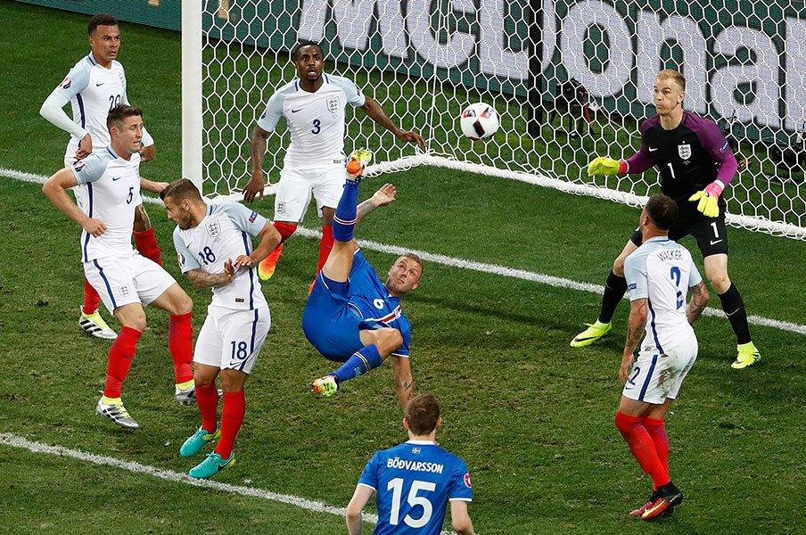 EUROのサッカーは標準化しているか。抗うのはドイツ、スペインら数カ国。<Number Web> photograph by AFLO
