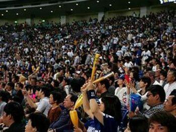 ファンは神様でなかったのか?<Number Web> photograph by Hideki Sugiyama