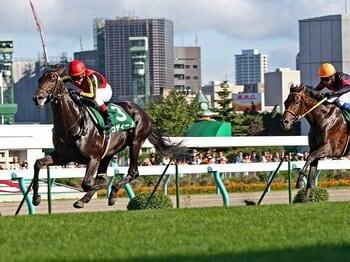 コディーノが勝った札幌2歳S。多くの観衆が例年より1カ月早い夏の終わりを惜しんだ。