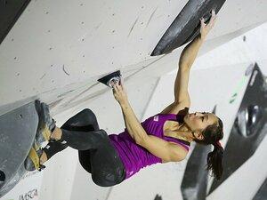 重力に逆らって登れ! 壁面の頭脳戦。「スポーツクライミング」の楽しみ方。
