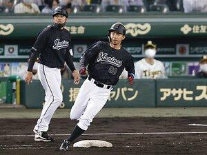 【阪神】甲子園に帰ってきた鳥谷敬と能見篤史…「この世界は結果だぞ!」若虎たちに背中で伝えたメッセージとは