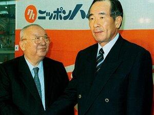 日本ハム、唯一の永久欠番「100」。 今も残る大社義規オーナーの愛と熱。
