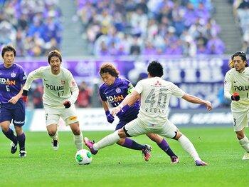 """たかが34分の1勝、されど大きい――。浦和が開幕戦に乗せた""""トッピング""""。<Number Web> photograph by Hiroshima Central Images"""