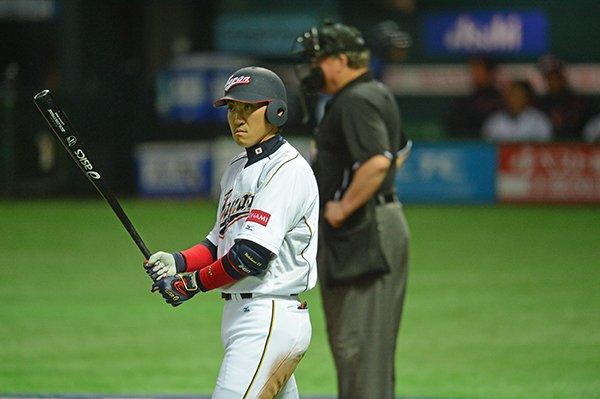 高出塁率で存在感を見せる内川聖一。