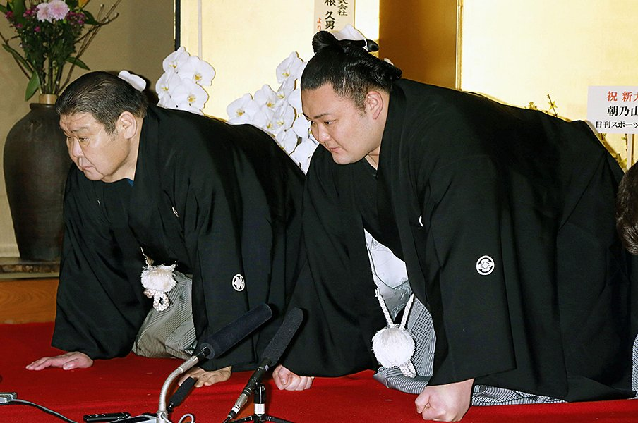 朝乃山の大関昇進は大阪で……。元朝潮・高砂親方、3度目の涙。<Number Web> photograph by Kyodo News