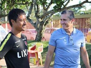 小笠原満男がブラジルで見た競争力。「うまくなる子は少しでも早く来る」