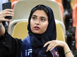 サウジの女性がクリロナを見た日。伊スーパー杯開催地問題の果てに。