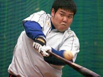 ただのデブと見くびるべからず。中日・中田亮二の「きらめく才能」。<Number Web> photograph by NIKKAN SPORTS