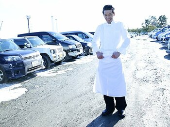 <シリーズ 3.11を越えて> サッカー日本代表専属シェフ、西さんの味。~今も福島・Jヴィレッジの厨房で~<Number Web> photograph by Tsutomu Takasu