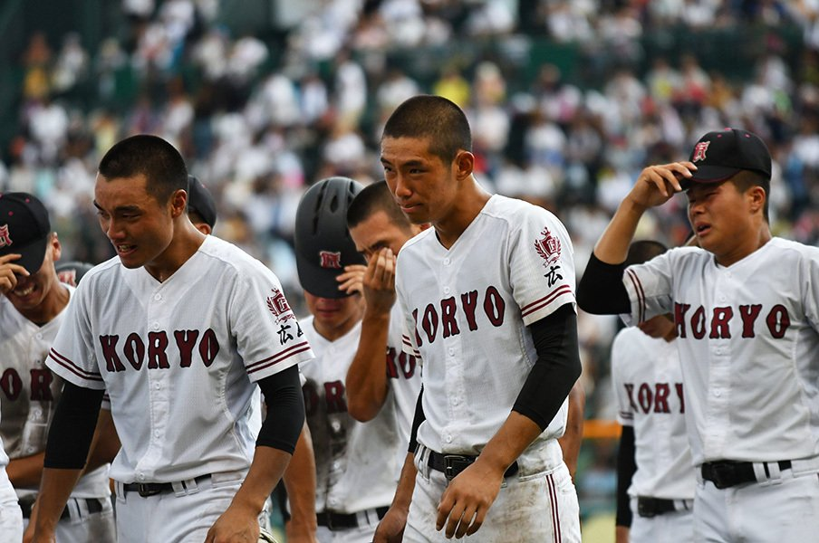 中村奨成が最後に空を見上げた理由。広陵の全員野球を象徴する一場面。<Number Web> photograph by Hideki Sugiyama