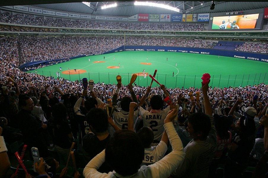 札幌ドームで広島vs.中日戦を!全国各地のハグレ野球ファンの願い。<Number Web> photograph by Hideki Sugiyama