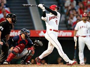 膝の手術発表直前に会心の本塁打。大谷翔平は「研究者」である。