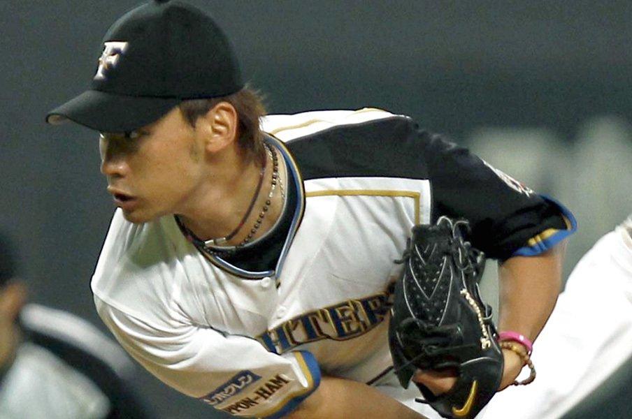 ロッテ戦力外から社会人野球名門へ。金森敬之に沁みた武田久と家族の愛。<Number Web> photograph by Kyodo News