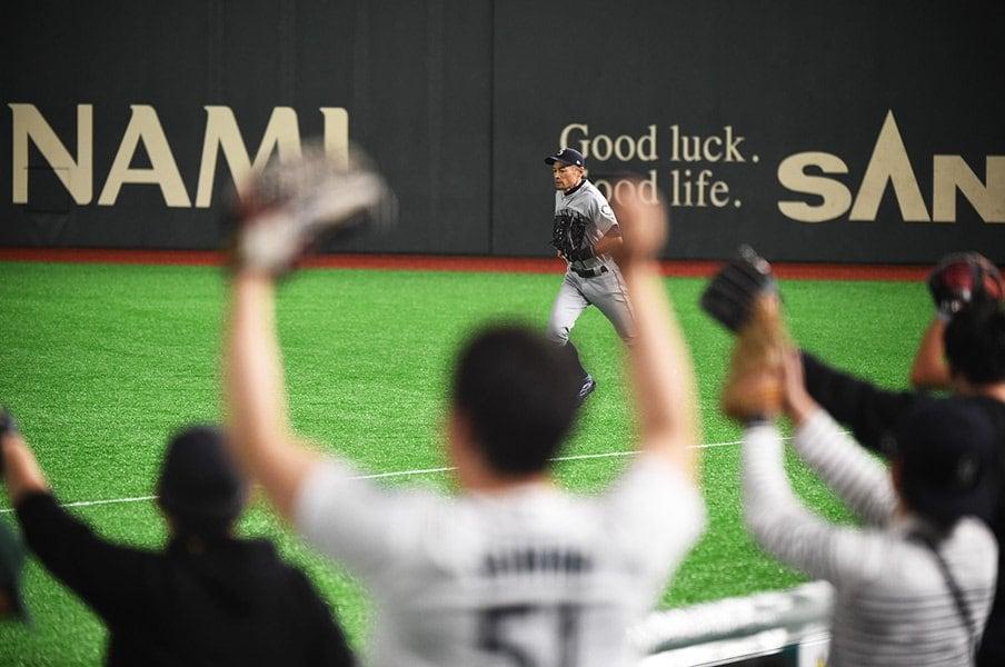 偉大なるイチロー、現役最後の日。「野球を愛すること」を貫いた28年。<Number Web> photograph by Naoya Sanuki