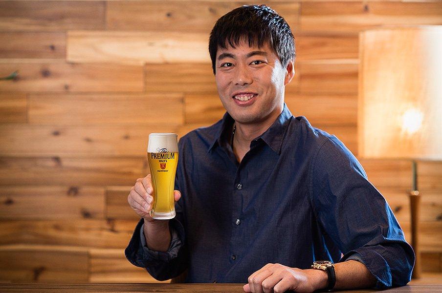 <プレミアム・インタビュー>上原浩治「いい仕事ができた後に飲むビールが最高のごほうび」<Number Web> photograph by Shiro Miyake