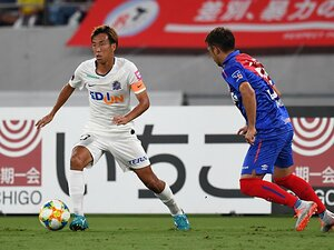 猛暑のなか9試合無敗、首位も撃破。絶好調・J1広島の省エネサッカー。