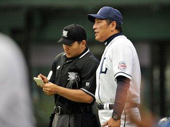 西武・渡辺監督の代打策に思う――。勝利と育成の狭間で揺れるCS争い。<Number Web> photograph by Hideki Sugiyama