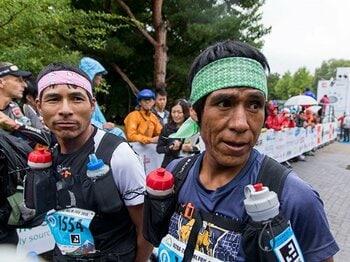 """""""伝説の走る民族""""ララムリは、なぜUTMFを完走できなかったのか?<Number Web> photograph by Takeshi Nishimoto"""