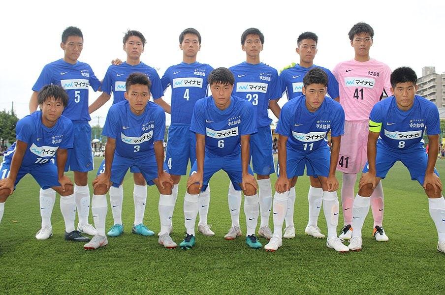 公立校の市立船橋に胸スポンサー。部活の概念を高校サッカーが変革!<Number Web> photograph by Takahito Ando