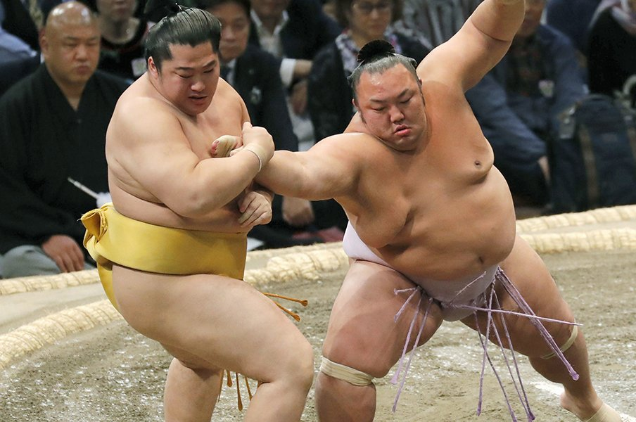 2019年に史上最少だった決まり手。突き押し全盛、投げや吊りは不遇?<Number Web> photograph by Kyodo News