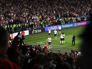 """今のイングランドは逆境にモロくない """"不当なPK判定説""""もデンマークに逆転勝ち、イタリアとのEURO決勝が必見なワケ"""