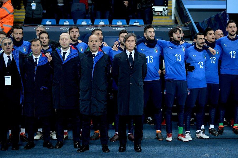 """イタリア代表と""""耽美主義""""の血筋。異端者ゼーマンの弟子に託す復活。<Number Web> photograph by Getty Images"""