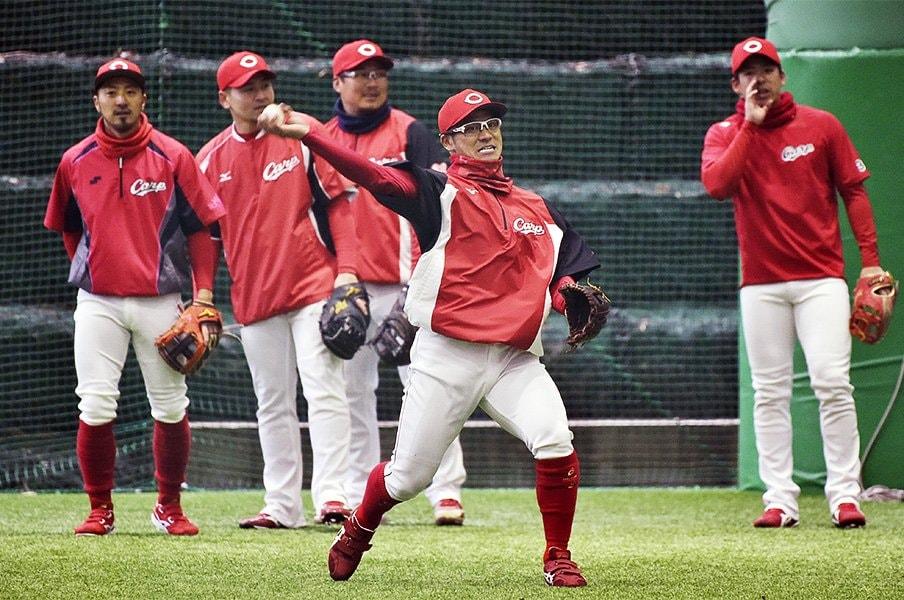 タナキクマルがいれば広島は安泰。28歳の3人は若手の最高の教材だ。<Number Web> photograph by Kyodo News