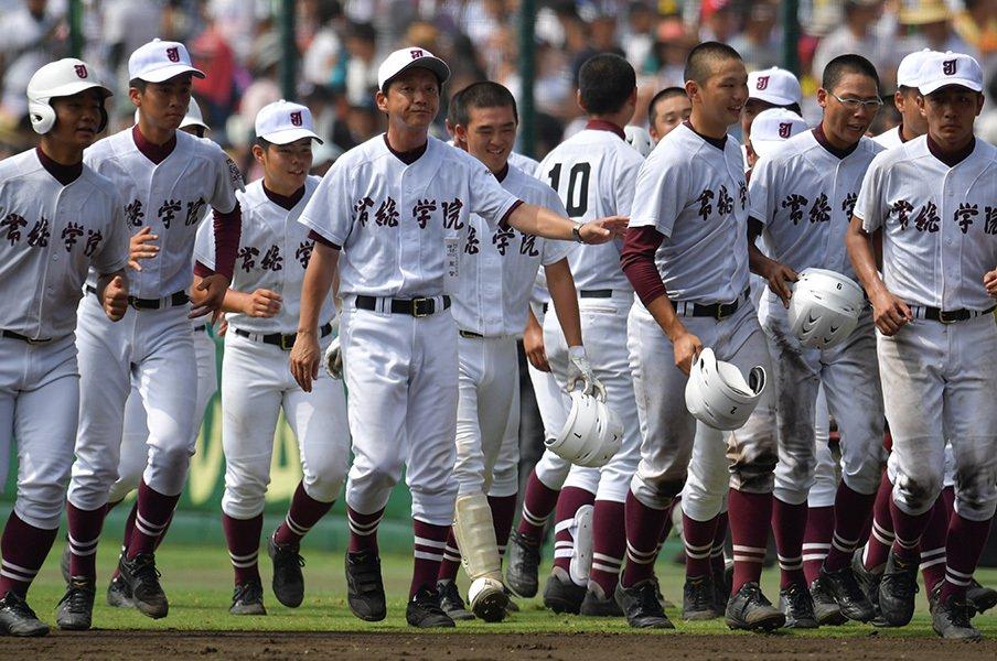 「木内野球」の印象を塗り替えた夏。常総学院・佐々木監督の色を見た。<Number Web> photograph by Hideki Sugiyama