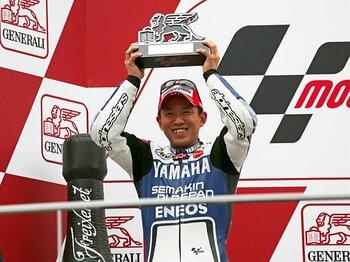 代役の男が成し遂げた、シーズン最終戦の大仕事。~中須賀克行、モトGPで表彰台~<Number Web> photograph by Satoshi Endo