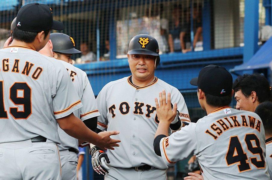 村田修一の移籍難には理由がある。三塁手豊作の時代、一塁やDHなら?<Number Web> photograph by Kyodo News