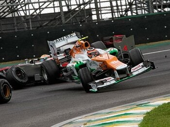 F1界のプロフェッショナリズムとは?ヒュルケンベルグと可夢偉の有終。<Number Web> photograph by AFLO