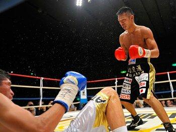 内山高志、KO王座統一で膨らむビッグマッチへの期待。~粟生隆寛との日本人対決は?~<Number Web> photograph by Hiroaki Yamaguchi