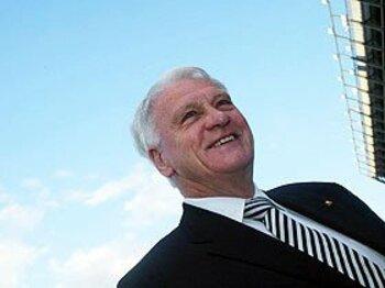 イングランド元代表監督、故ボビー・ロブソンの「情熱と意志」。<Number Web> photograph by PanoramiC/AFLO