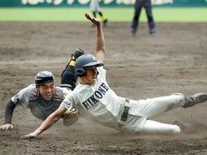 """甲子園開幕戦、サヨナラ劇の裏側。彦根東がこだわった""""一、三塁""""の形。"""