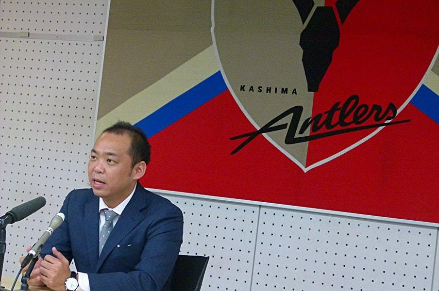 親会社をかえるという鹿島の大勝負。メルカリから来た新社長が語った事。<Number Web> photograph by Noriko Terano