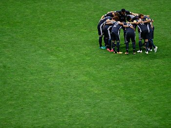 競技力と言葉の豊かさは比例する。日本サッカーを見続ける92歳に学ぶ。<Number Web> photograph by Takuya Sugiyama