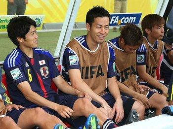 """吉田麻也の""""例え""""はスベらない?『JIN』に、スーツに、ジョブズまで。<Number Web> photograph by Daiju Kitamura/AFLO"""