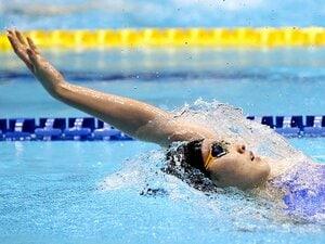 女子背泳ぎ復権を託される若手3人。酒井夏海、小西杏奈、赤瀬紗也香。
