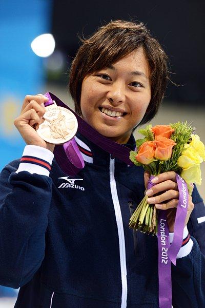 銅メダルを手に笑顔を見せる鈴木聡美。~ロンドン五輪2012~
