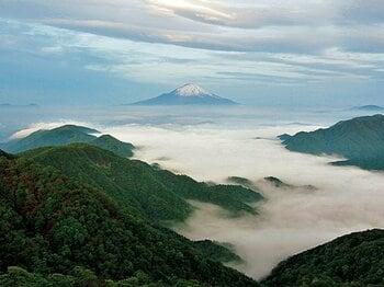 <わたしの愛する山遊び> 山岳気象予報士・猪熊隆之が解説「雲海」~雲さえ読めれば手軽に見れる~<Number Web> photograph by Yuji Kamiya