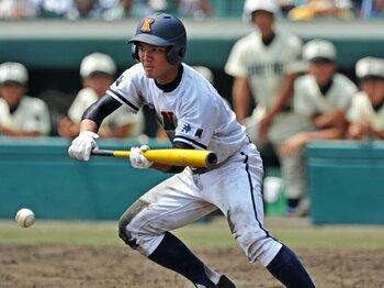 """早大野球部の""""バント伝来""""107年目。高校野球で、その功罪を見きわめる。<Number Web> photograph by Hideki Sugiyama"""