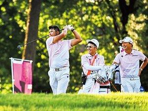 """「すみませんでしたー!」丸山茂樹が東京五輪で嬉しかった""""松山英樹が試合直後に言った冗談""""とは?〈ゴルフ秘話〉"""