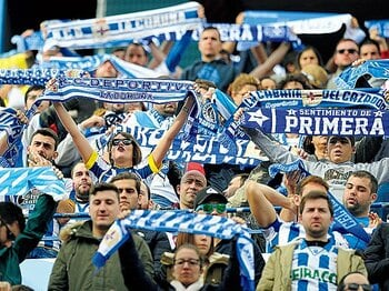 スペインも見習う、誇るべき日本のサッカー文化。~ザック、アギーレも認めた安全性~<Number Web> photograph by Getty Images
